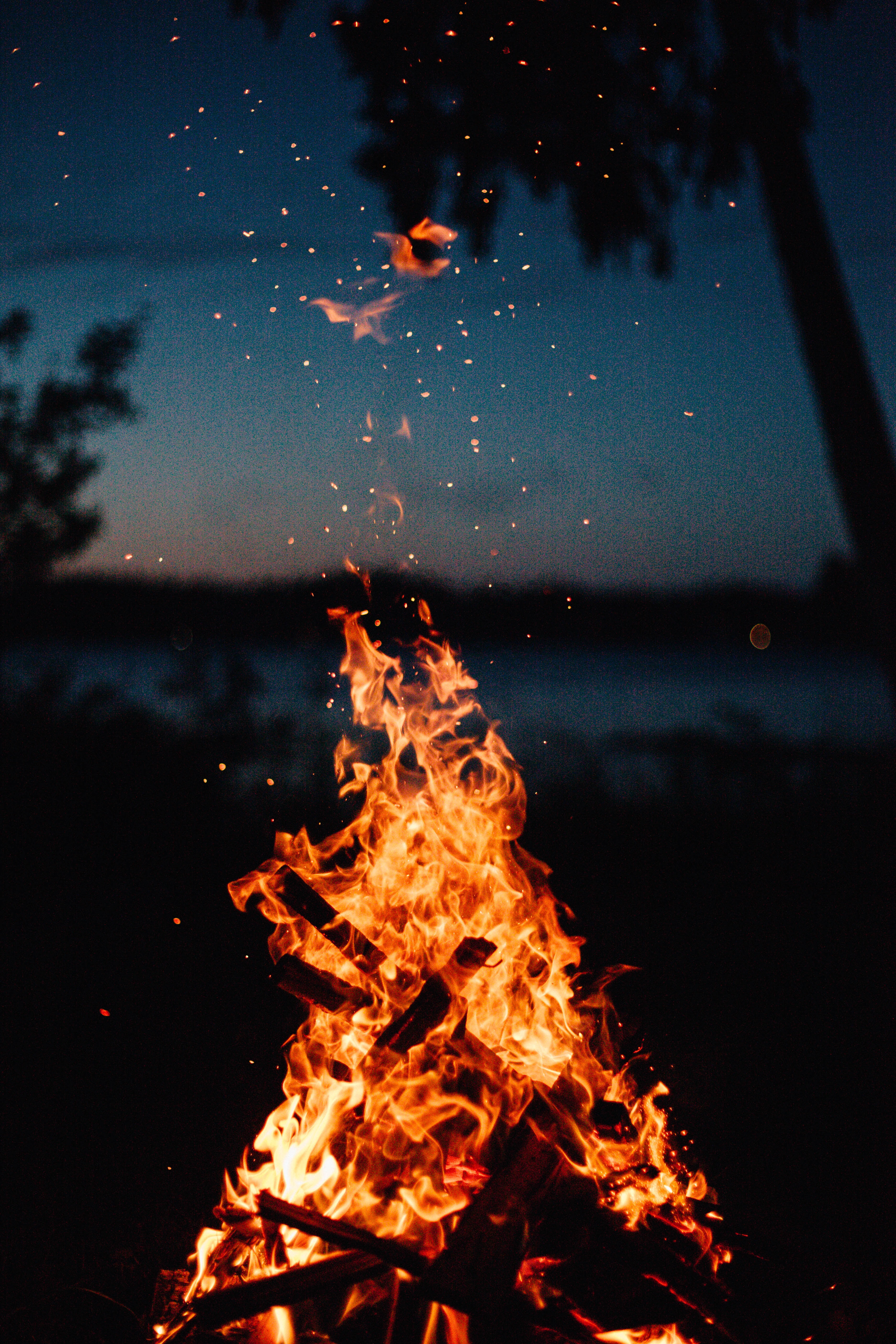 Es un fuego en llama viva que representa a la menopausia con el sofoco y con el calor